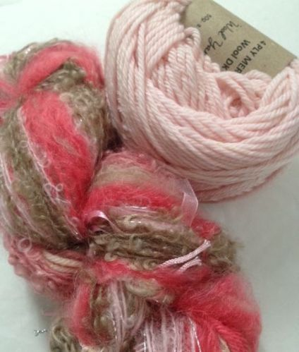 Magicball cowl - Strawberry shortcake and pale pink